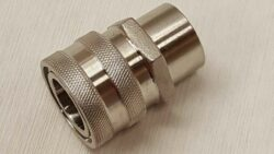 "stainless female quick disconnect by 1/2"" female NPT"